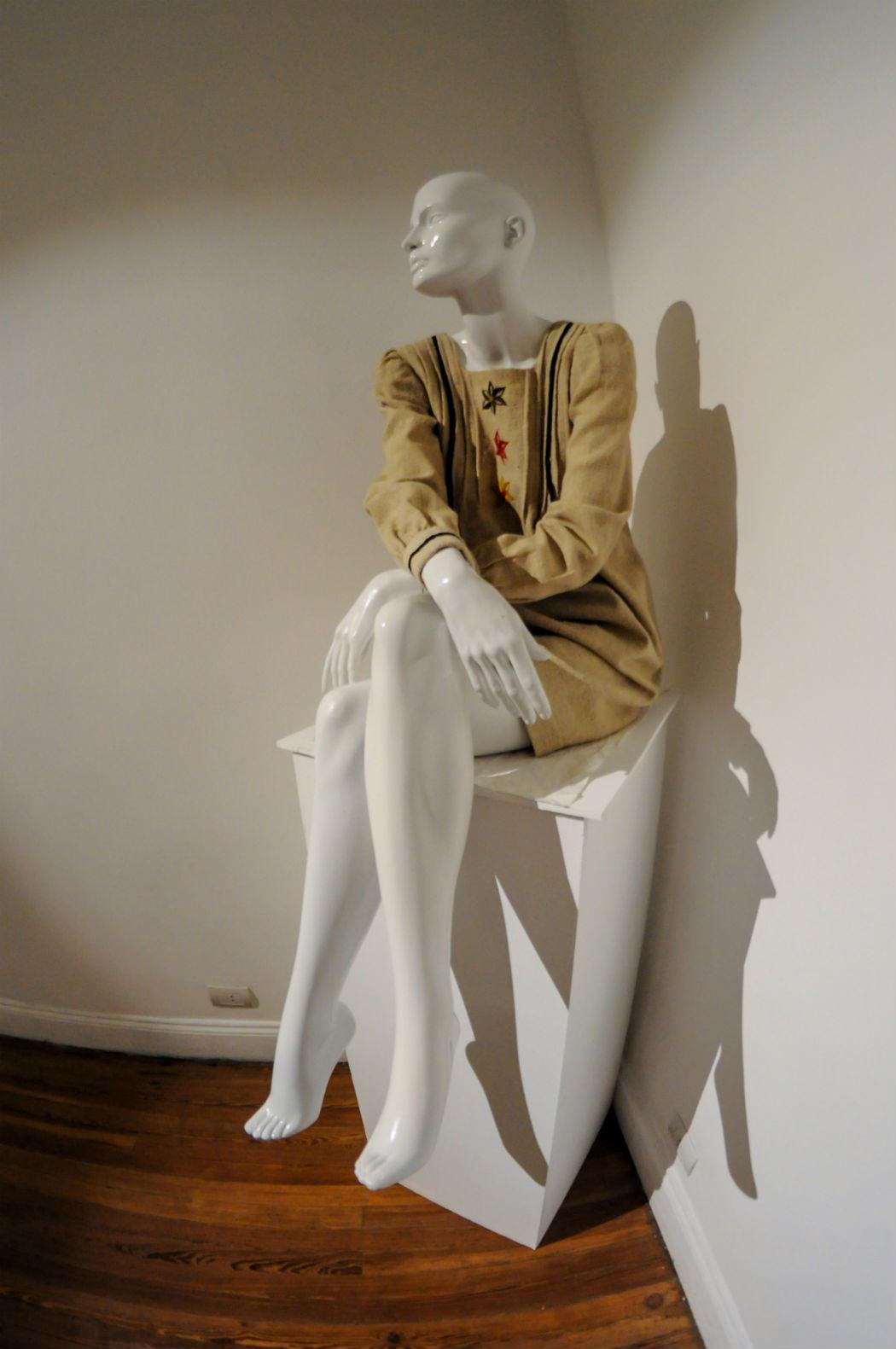 Vestido Mary Tapia en el MNHT - Fotografía: Agustina Gavagnin